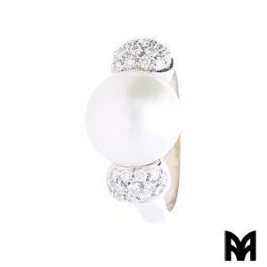 CENTRAL PEARL RING AND DIAMONDS