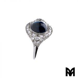 SAPPHIRE PLATINUM CABOCHON RING FROM THE 20S