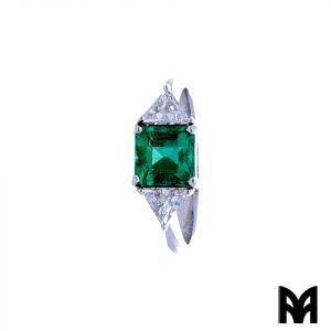WHITE EMERALD GOLD RING CARRÉ AND TRIANGULAR DIAMONDS